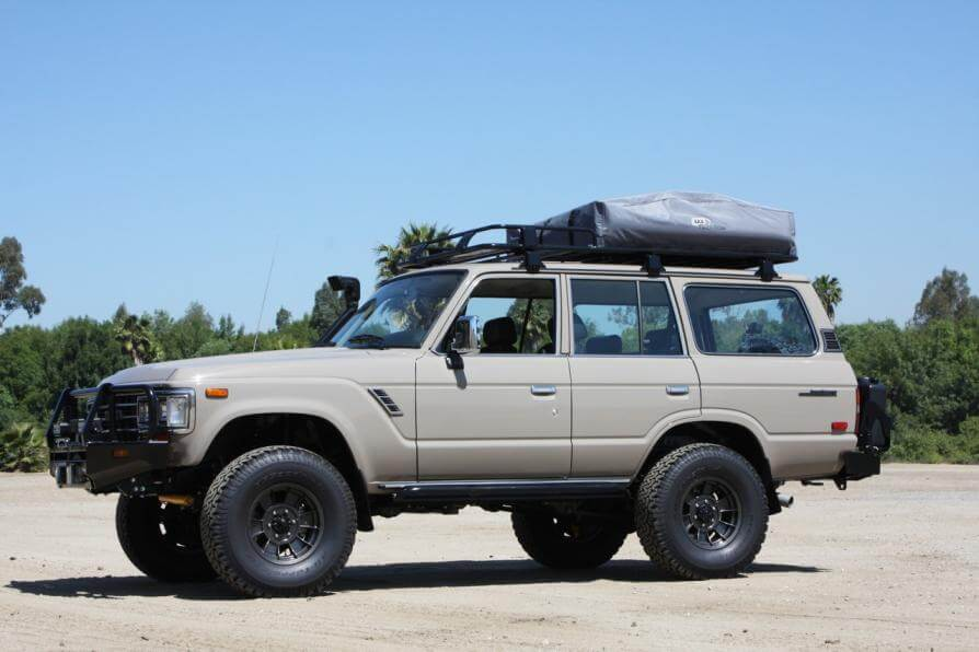 Roof Racks likewise Bugz additionally 1974 FORD BRONCO CUSTOM SUV 113218 furthermore Adventure Series M49 Roof Top Tent likewise 207490. on offroad roof rack